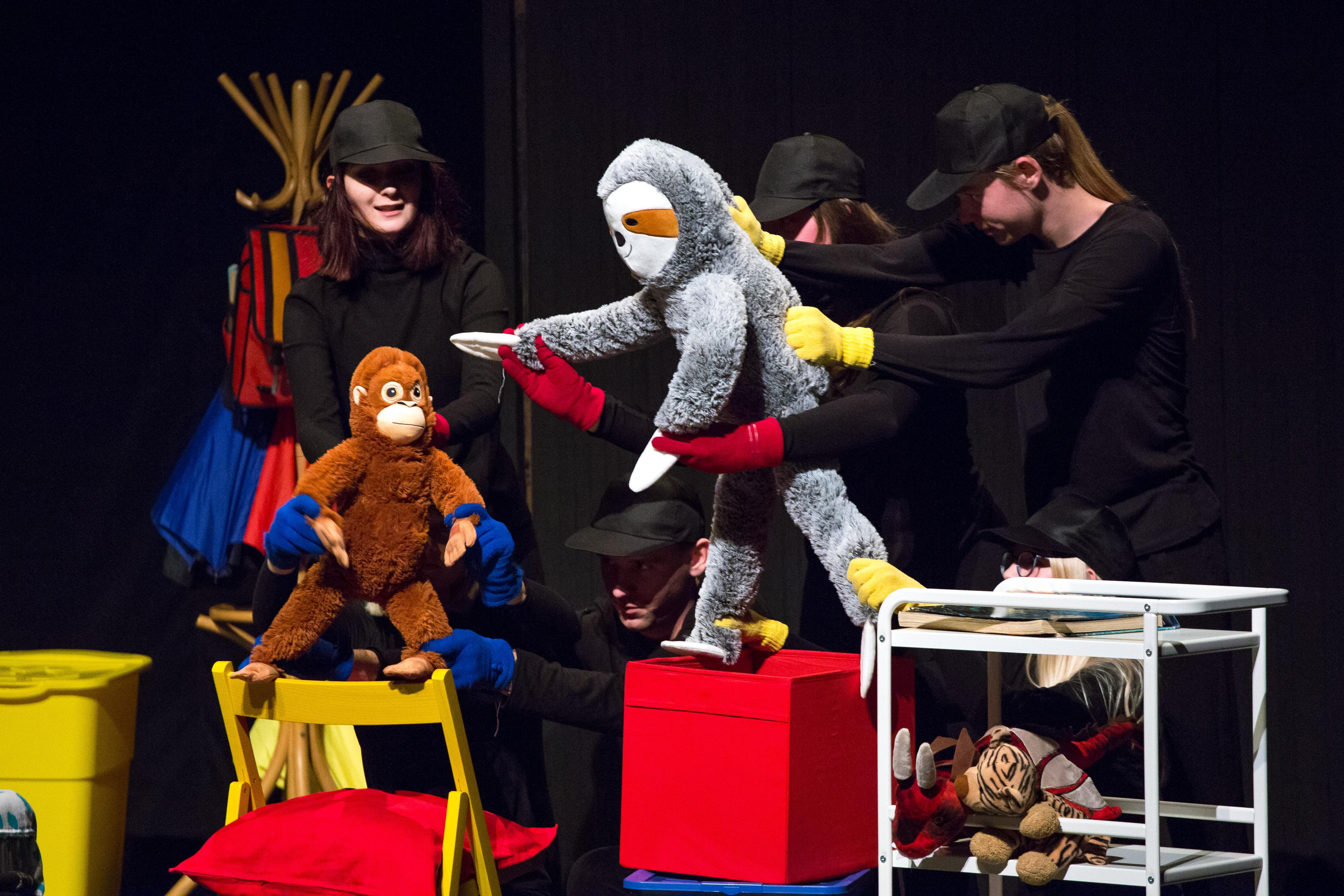 Pogledajte besplatne online predstave Dramskog studija Dada